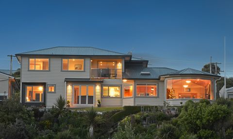 Breadalbane House, Kaka Point, The Catlins, NZ.